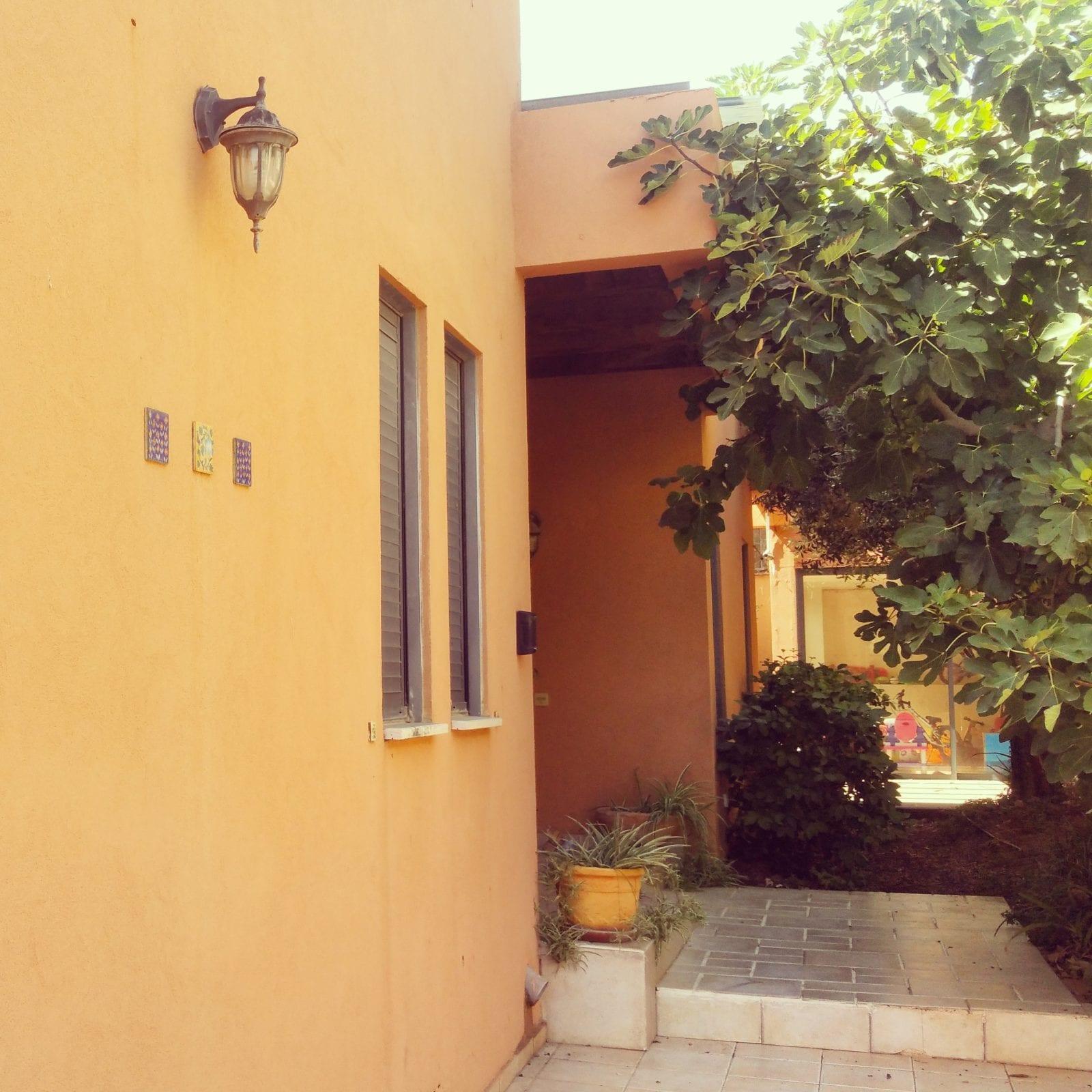 בית חד מפלסי למכירה בקדימה בכפר