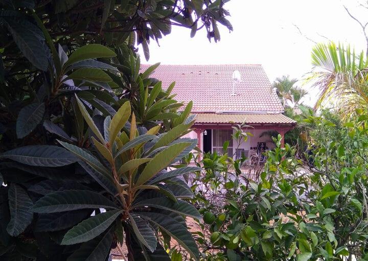 בית על מגרש ענק בצורן הותיקה