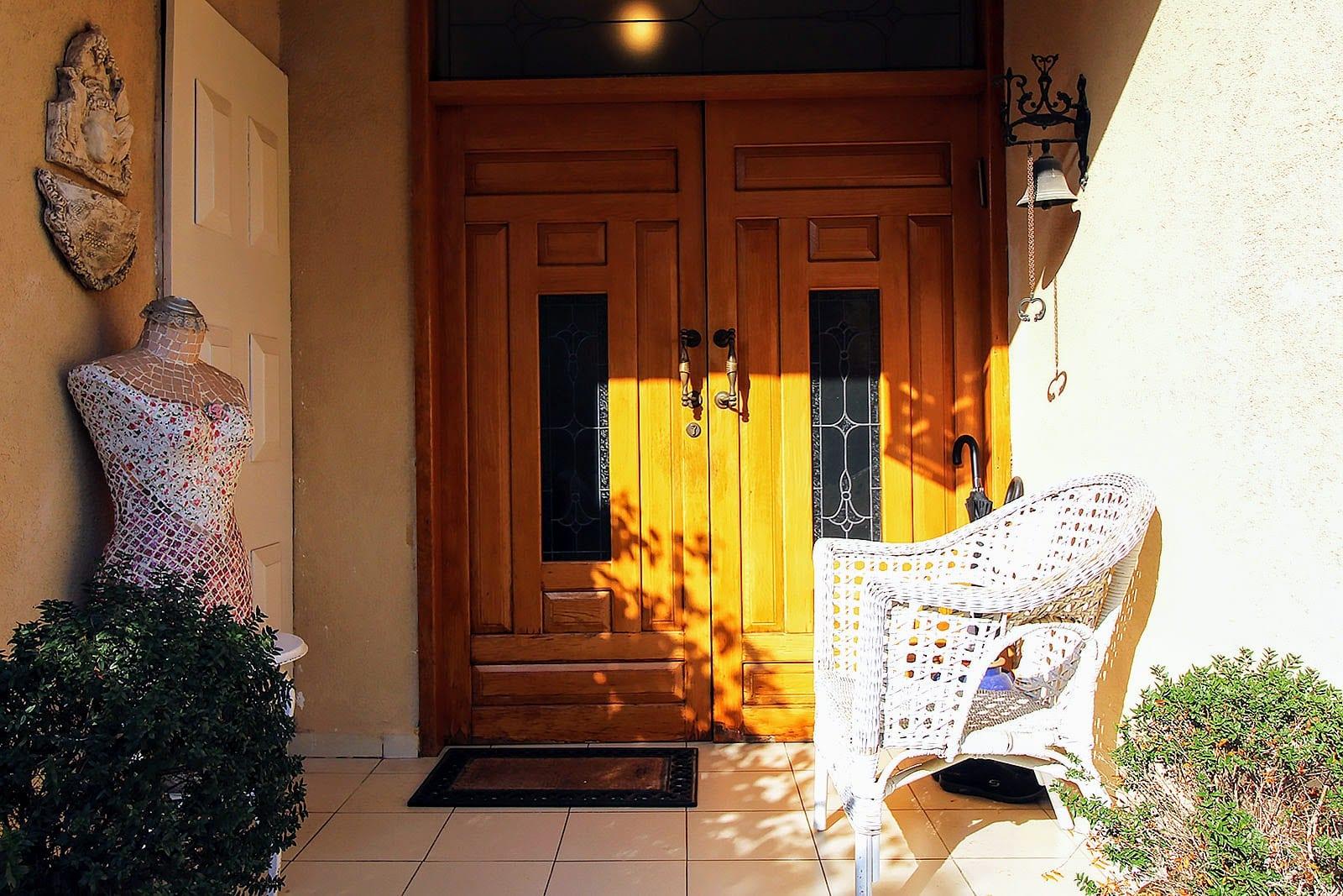 כניסה לבית באבן יהודה למכירה